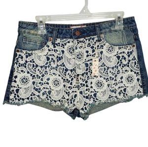 NWT crochet front denim distress cutoff shorts